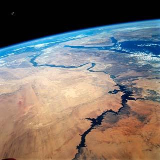 Viajes a Egipto: vista satelital del Rio Nilo 6,756 kilómetros!