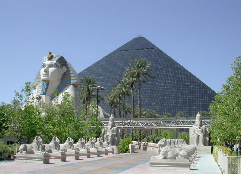 Te recomendamos visites Luxor en tus vacaciones por Egipto.