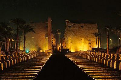 Entrada principal de los templos de Karnak